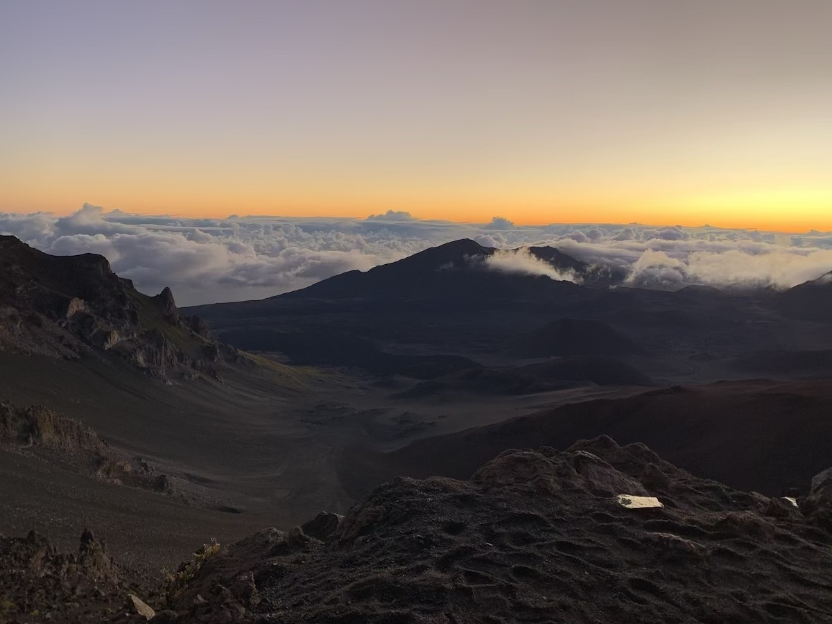 sunrise haleakala maui hawaii