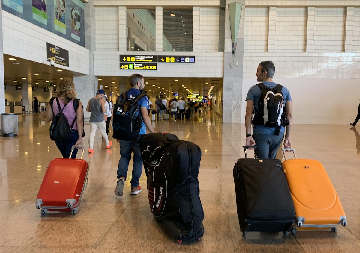 Aeropuerto Barcelona viaje camino a Kona Hawaii - Ironman Triatlón